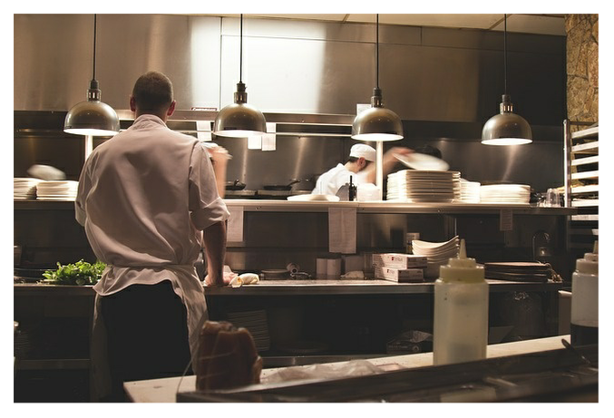 10 food safety tips for commercial kitchens